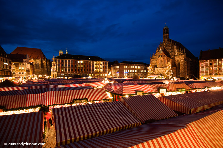 German travel stock image: Photo of Nuremberg Christmas market - bilder Nuernberg Weihnachtsmarkt, Germany 2008. Cody Duncan Photography
