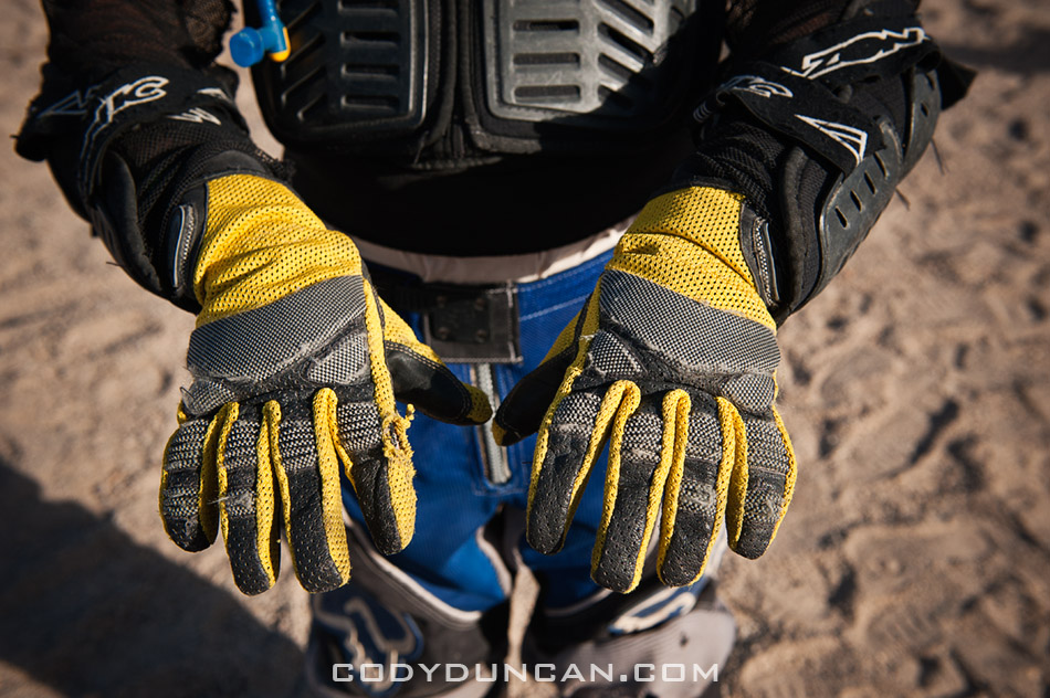 motorcycle rider gloves