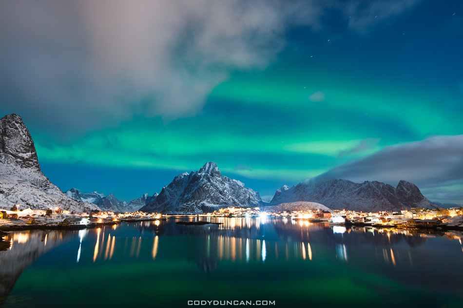 Lofoten islands northern lights Reine
