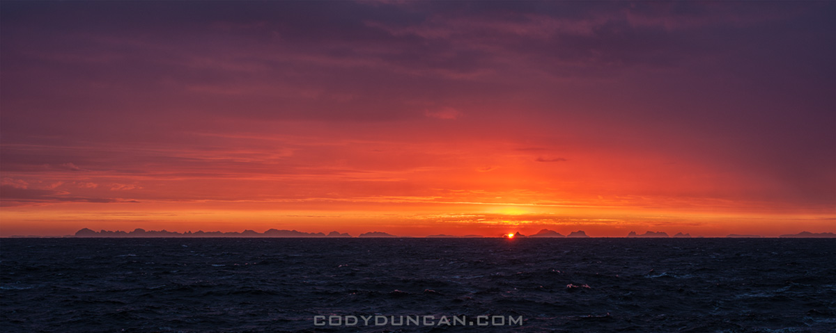 colorful sunrise lofoten islands