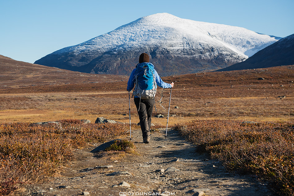 Hiking Kungsleden trail in Autumn
