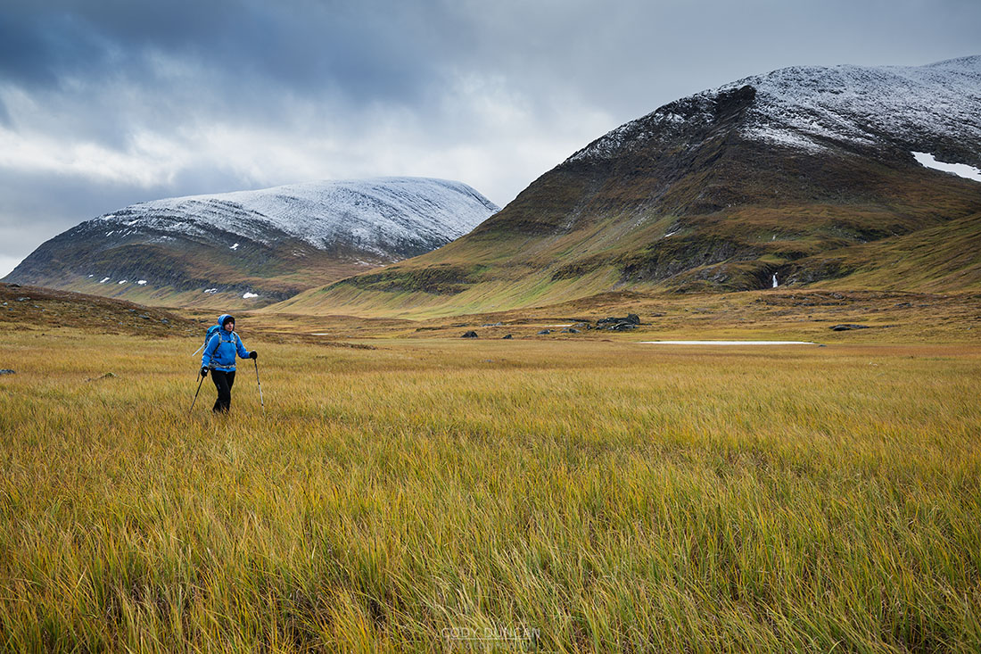 Hiking Kungsleden trail in Autumn, Sweden